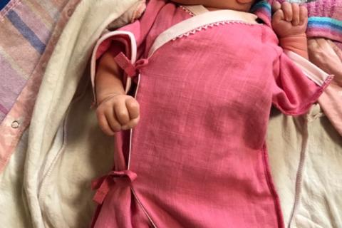 低出生体重児(未熟児)2800g赤ちゃん